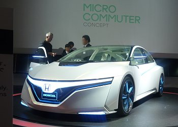 Honda's next-generation PHV sedan concept, AC-X