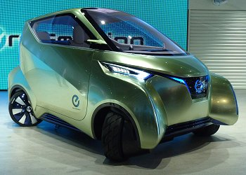 Nissan's compact EV concept with in-wheel motor, PIVO 3