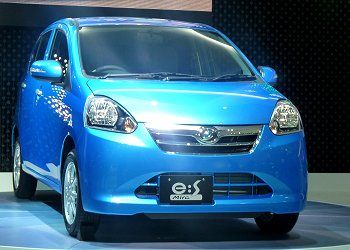 Daihatsu Mira e:S, which has achieved fuel economy of 30.0km/L in JC08 mode