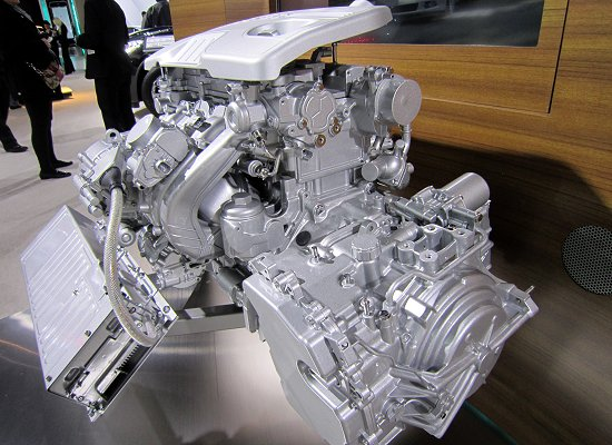 2.4-liter direct-injection 4-cylinder gasoline engine with eAssist, which is used in the Buick LaCrosse