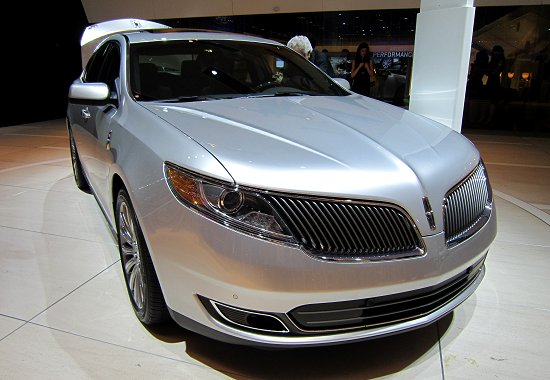 2013MY Lincoln MKS