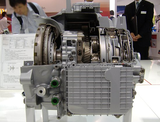 Nine-speed AT for transverse-mounted engines exhibited by ZF
