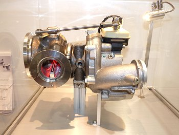 Turbocharger fitted with the electronically-controlled wastegate actuator