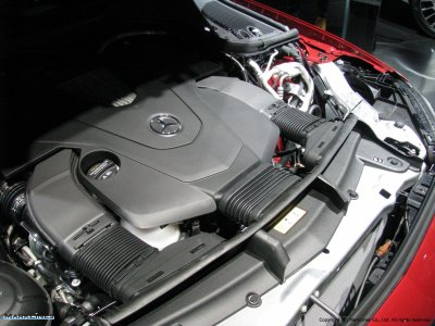 Mercedes-Benz E400 4Matic Coupe Engine Compartment