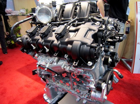3.6L V6 Pentastar engine has integrated a cylinder head and an exhaust collecting pipe