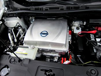 2013 Nissan Leaf engine compartment