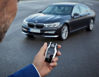 Remote Control Parking on BMW 7 Series