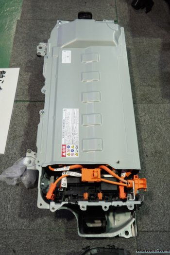 External view of the high-voltage battery pack