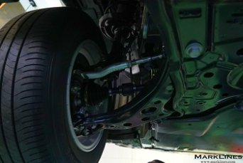 Front strut suspension