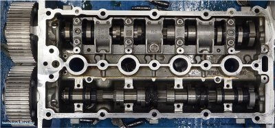 Intake/exhaust camshafts